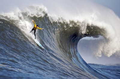Saxon Heller at Mavericks © Shalom Jacobovitz